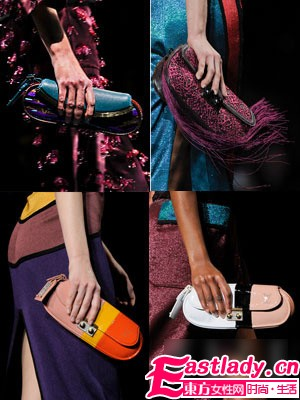 大包袋已经OUT 时髦小手袋风靡时装周