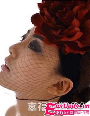 玫瑰彩妆 打造寒冷冬天里的妩媚新娘