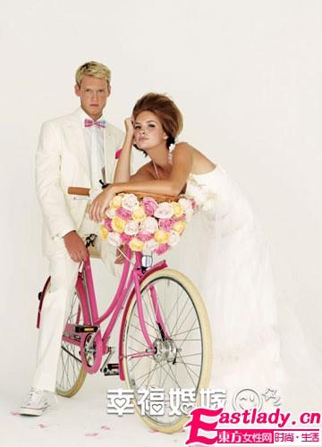 深秋婚纱摄影大片 用玫瑰演绎人生