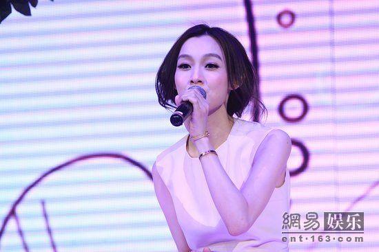 范玮琪录制东方卫视大型综艺真人秀节目《我心唱响》七夕特别节目—— 全城热恋