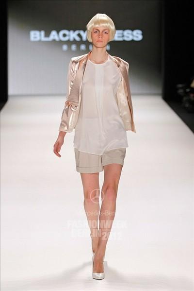 回顾2012年柏林春夏时装精彩时装
