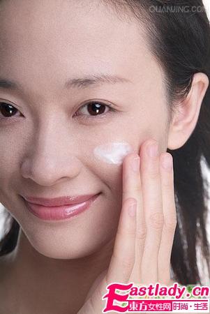 脸上皮肤干燥起皮的预防与护理