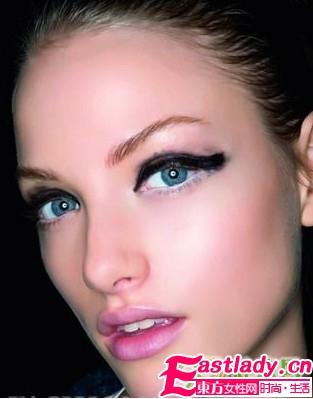 单眼皮眼妆化妆技巧问答
