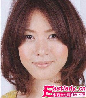 适合圆脸女性的中长发发型