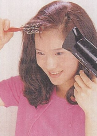2012年最流行的卷发造型 给你公主风范