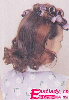 自然卷曲马尾辫的扎法 好看又有型
