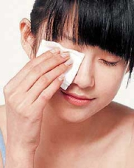 卸妆油的正确使用方法 使肌肤彻底恢复素面状态
