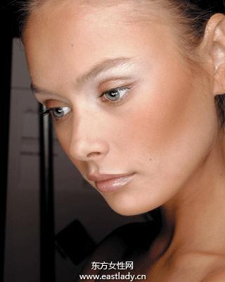 皮肤松弛的原因和护理要点