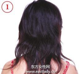 粉色花发夹打造迷人盘发发型