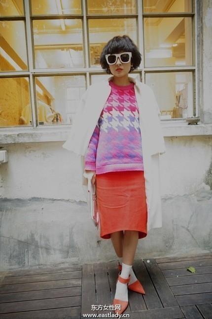 撞色混搭风格提升时尚指数