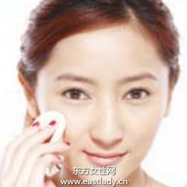 化妆教程之如何正确使用固体粉底
