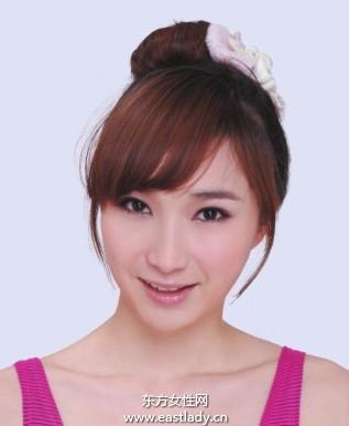 韩式花苞头发型设计透露女性酷感味道