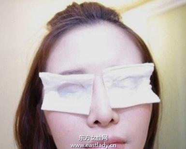 眼妆卸不干净小心长皱纹