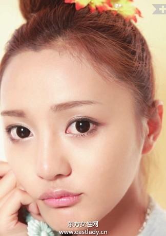 化妆教程之基本款棕色眼影的使用步骤