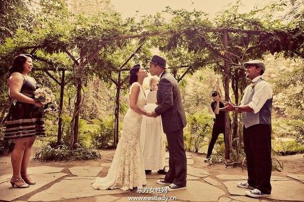 19世纪初主题复古婚纱照幸福满满的