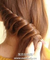 长发变编发打造时尚发型