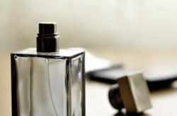 香水的正确涂抹方法