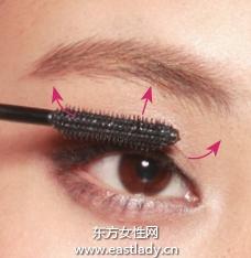睫毛膏怎么刷塑造扇形睫毛