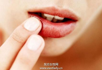 挽救水润双唇护理方法
