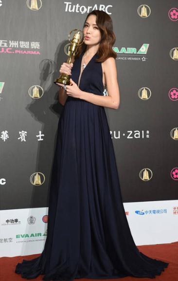 许玮甯靠《16个夏天》夺下金钟50戏剧最佳女配角