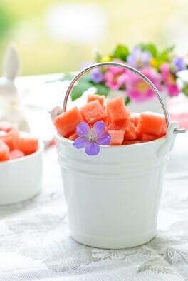 西瓜皮怎么做好吃,夏日吃瓜不妨吃点西瓜皮