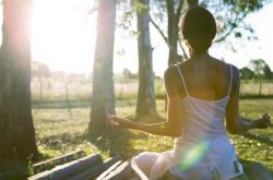 在家也能瘦肚子 6式瑜伽减