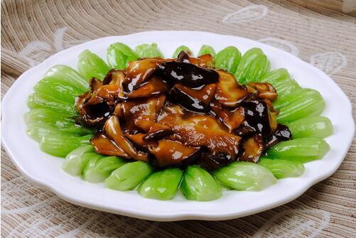 美味又健康的青菜炒香菇怎么做