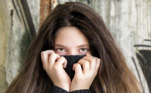 黑眼圈吃什么 7个妙招让你黑眼圈消失