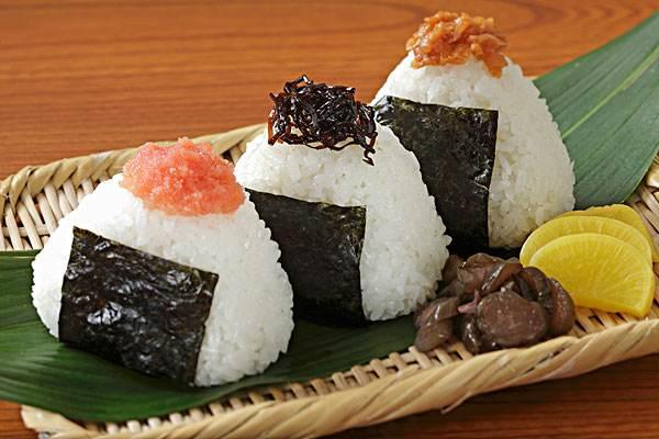 日式饭团的做法 好吃到停不下来
