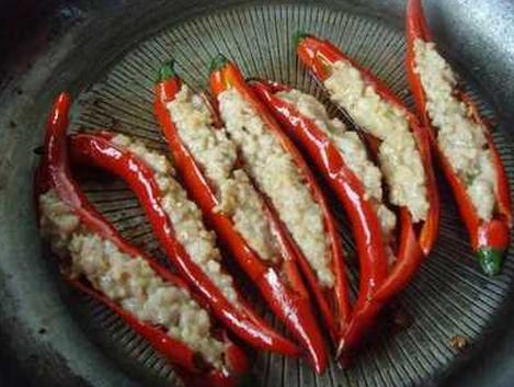 橄榄菜怎么吃  橄榄菜酿红椒风味独特软嫩可口