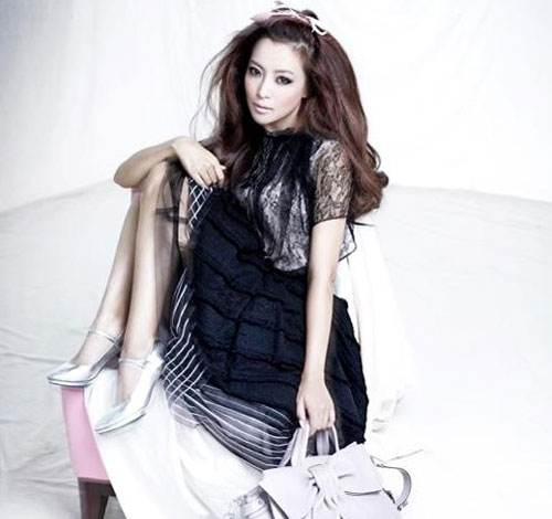可爱简约韩国时尚服装,穿出帅气中的女人味