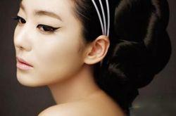 单眼皮怎么化妆更迷人