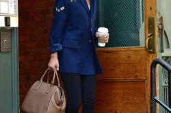 超模GiGi Hadid用街拍证明了运动鞋比高跟鞋更时髦