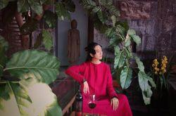 58岁杨丽萍近照如少女 豪宅 月亮宫 美如仙境