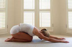 教你八式简单瑜伽基本功 让你瘦身又健身
