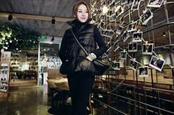 经典黑冬装外套搭配技巧 时髦穿法让你气场十足