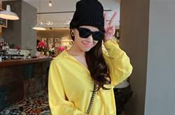 春夏时尚穿衣搭配术 明亮黄色系超显肤色