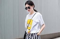 卡通t恤+长裤or短裤 减龄时尚又可爱