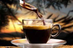 喝咖啡的好处与坏处 常喝咖啡小心导致骨质疏松