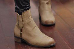 今年流行什么款式的短靴 呢大衣配短靴是極好不過的