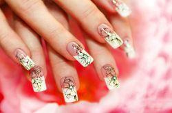 学美甲应避免这些误区 让指甲更亮丽健康的做法