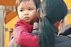 刘德华女儿 瞪着摄像头照片网友赞简直太像华哥