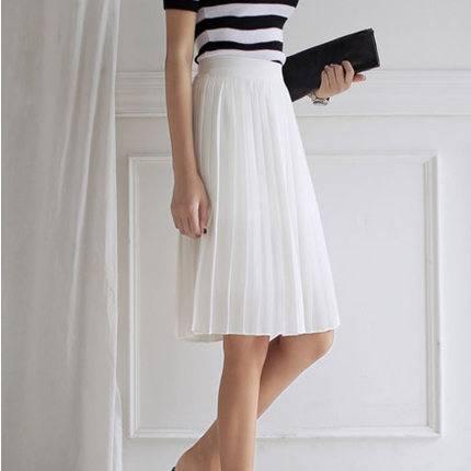 4款女装时尚搭配 百变造型让你轻易get
