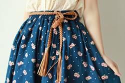 时尚碎花裙巧搭配 4大风格告别单调