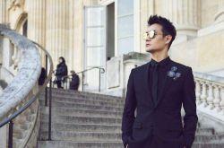 王凯巴黎时装周 黑色西装低调奢华