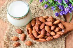杏仁的食用方法及功效 哪些人不宜吃杏仁