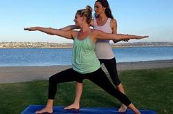 快速瘦身的瑜伽动作 骑马式瑜伽动作