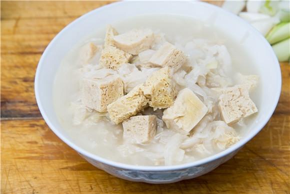 白菜炖豆腐,好吃又好学