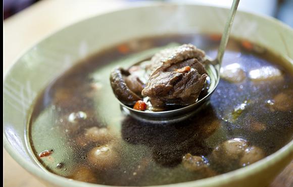 每周一汤:酸萝卜老鸭汤的做法