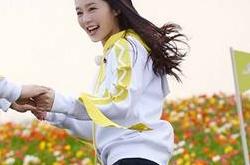 《奔跑吧》林志玲、迪丽热巴水中惊艳撕名牌